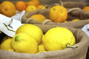 zelf vitamine c maken met echte citroenen