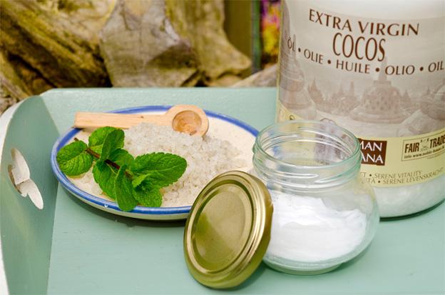 zelf tandpasta maken met kokosolie